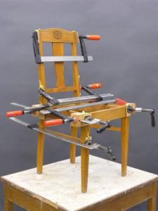 Kurs i möbelrenovering. Omlimning av stolar