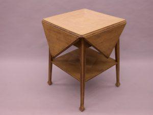 Kuvertbord i ek