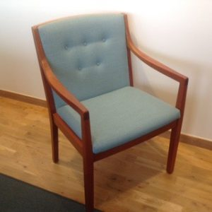 Klassons möbelfabrik har gjort stolarna