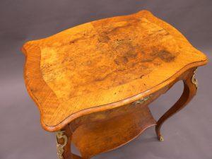 Renovering av antika möbler