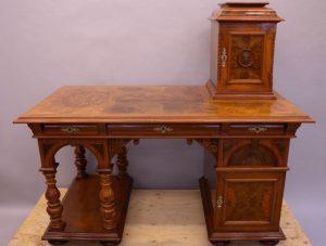Reparera gammal möbel