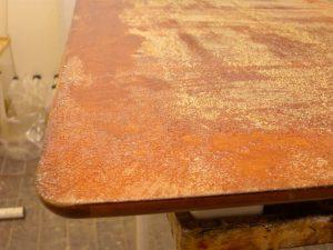 Lackborttagningsmedel till möbler