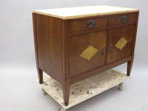 Restaurera antika möbler